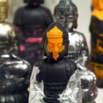 Olivier Morel - 10 000 Bouddhas, résine acrylique + pigments, 2018, Bouddha